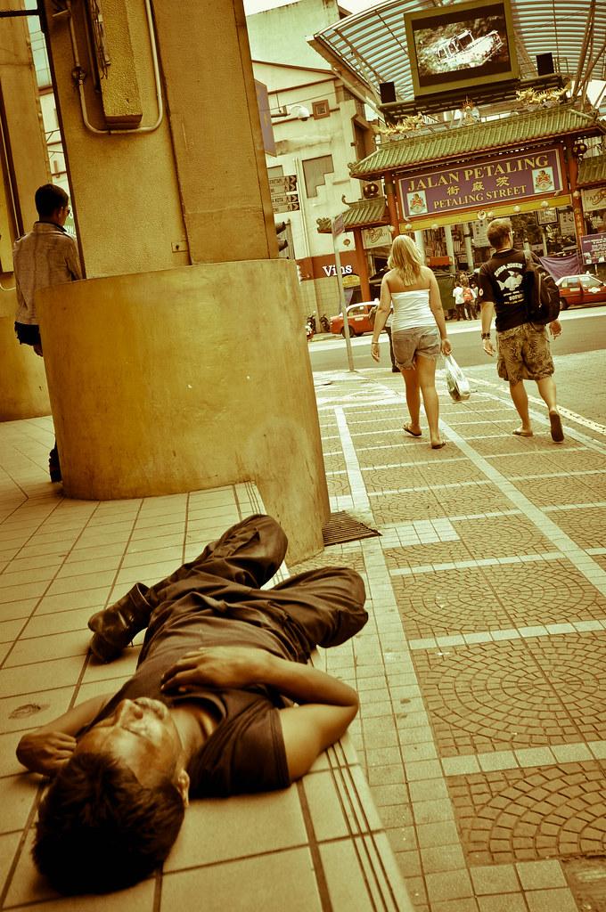 Homeless 无家可归 ...