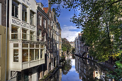 "Oude Gracht • <a style=""font-size:0.8em;"" href=""http://www.flickr.com/photos/45090765@N05/6250634506/"" target=""_blank"">View on Flickr</a>"
