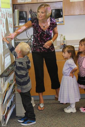 E-1stdaykinder pic3 08-31-2011