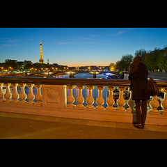 L'attente sur fond de Tour Eiffel (Zed The Dragon) Tags: morning bridge light sunset 3 paris girl night reflections hair french vent lights iso100 waiting long exposure flickr noir view shot minolta wind sony iii 28mm sac eiffel best musee full fave most ciel frame pont faves 100 fullframe alpha nuage alexandre nuit fille pyramide mange reflets hdr sal lelouvre zed francais attente alexandreiii parisien favoris cheveaux 24x36 poselongue 0sec f110 a850 sonyalpha hpexif minolta28mmf2 concordians 100comment dslra850 alpha850 zedthedragon 100coms