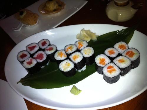 tuna, oshinko & salmon maki