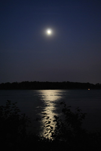 Moon Over The Columbia