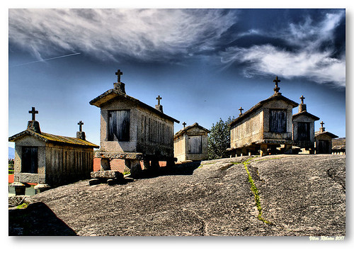 Espigueiros do Soajo #3 by VRfoto