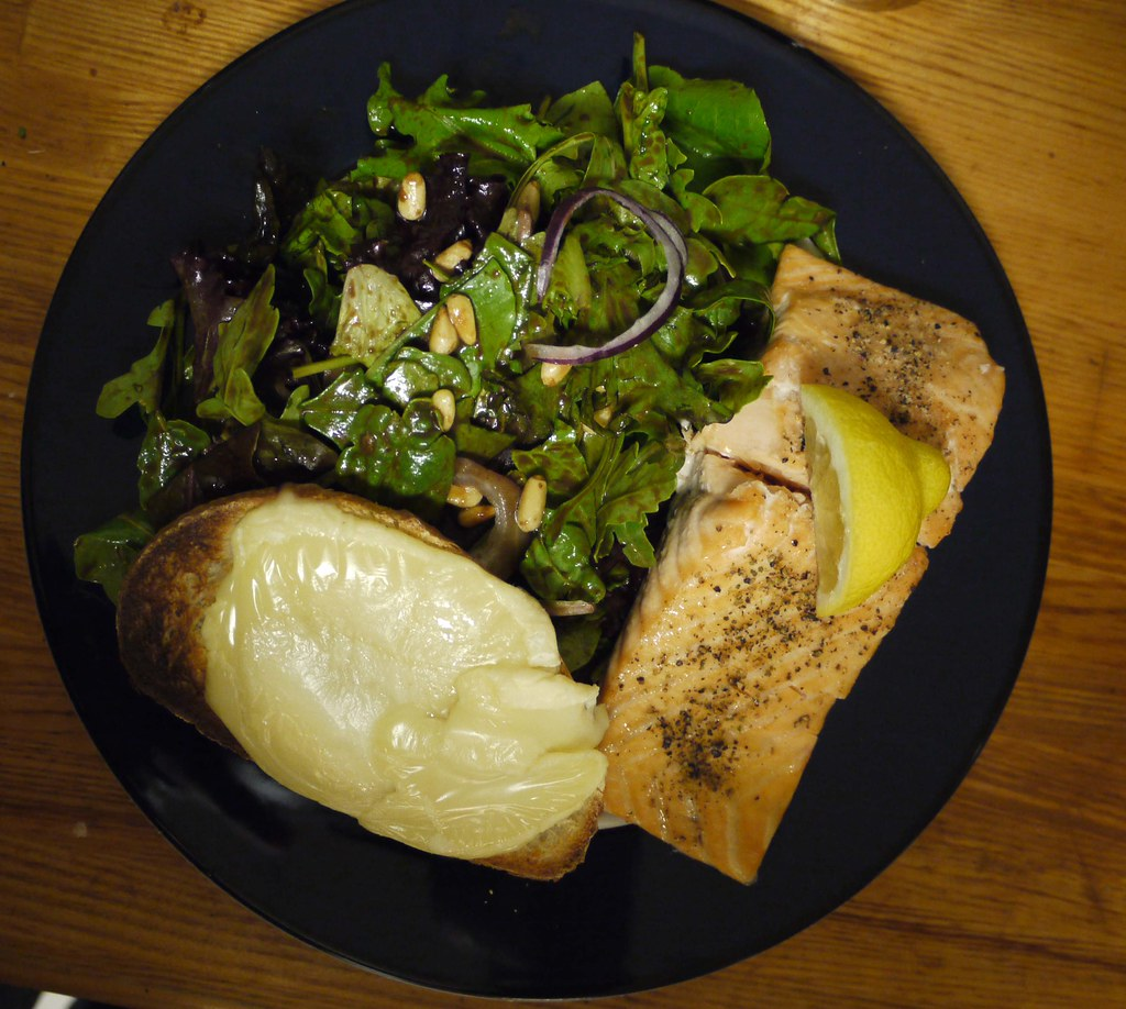 Baked goat cheese salad with broiled salmon