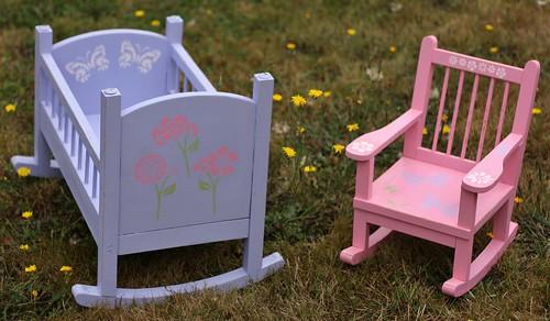 doll rocker and crib (1)