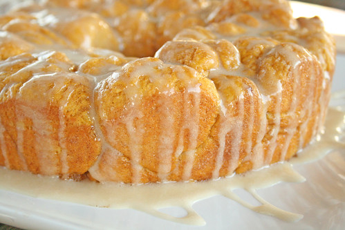 pumpkin pull apart monkey bread3