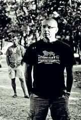 l'instant// (  Pounkie  ) Tags: portrait bw men tattoo ink vacances duo bruce guys jef hommes skinhead noirblanc tatouage lonsdale mecs linstant