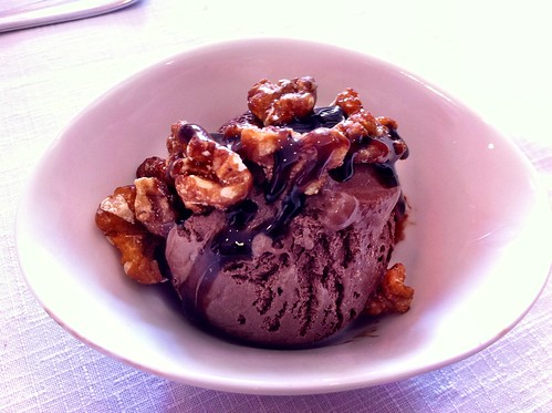 Vic | Club Tenis Vic | Helado de chocolate con nueces