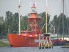 Feuerschiff in Hellevoetsluis (Priska B.) Tags: holland nederland hellevoetsluis schepen nederlandse feuerschiff schep niederlanden leuchtschiff wbnawnl