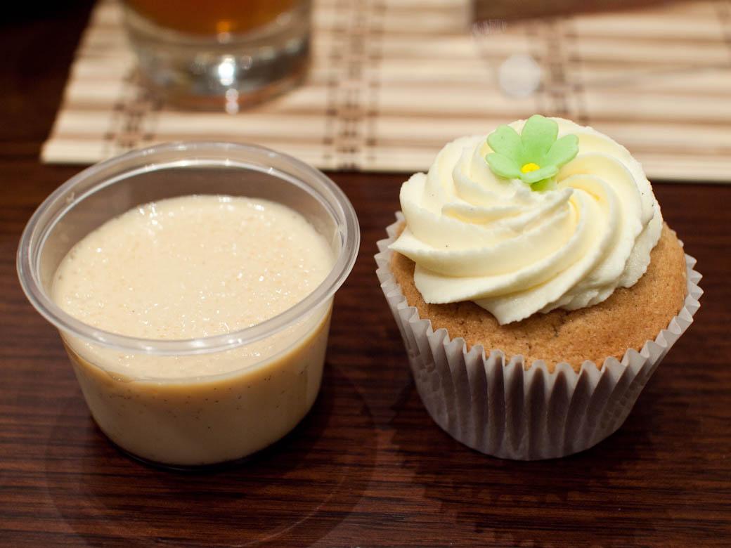 Dahon Tea Lounge - Leche flan & chai cupcake