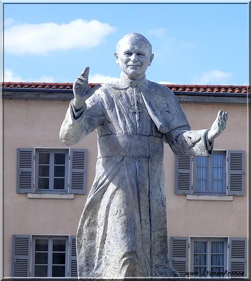 Fourvière+statue+Jean-Paul2