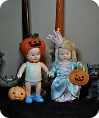 Trick Or Treat? (Lawdeda ) Tags: halloween for or pumpkins it ready porky trick pigging treating shebee hebee