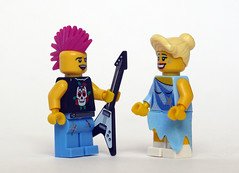 Sk8er Boi (Oky - Space Ranger) Tags: ice punk lego rocker skater avril collectable sk8er boi lavigne minifigures