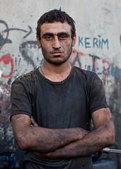 OT2011091064 (Olivier Timbaud) Tags: mechanics kurde mcanicien kurdishworker oliviertimbaudphotographe hommekurdetravailleurkurde