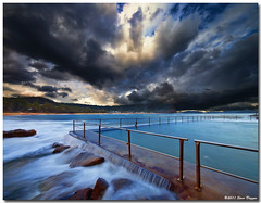 IMG_6720b (Steve Daggar) Tags: storm pool clouds pearlbeach oceanpool fotocompetitionbronze fotocompetitionsilver fotocompetitiongold
