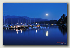 Deep Cove Moonrise, Moonrise 7:15pm, 85 (Lijuan Guo Photography ( Hollow Bamboo)) Tags: moon fullmoon moonrise deepcove norhtvancouver