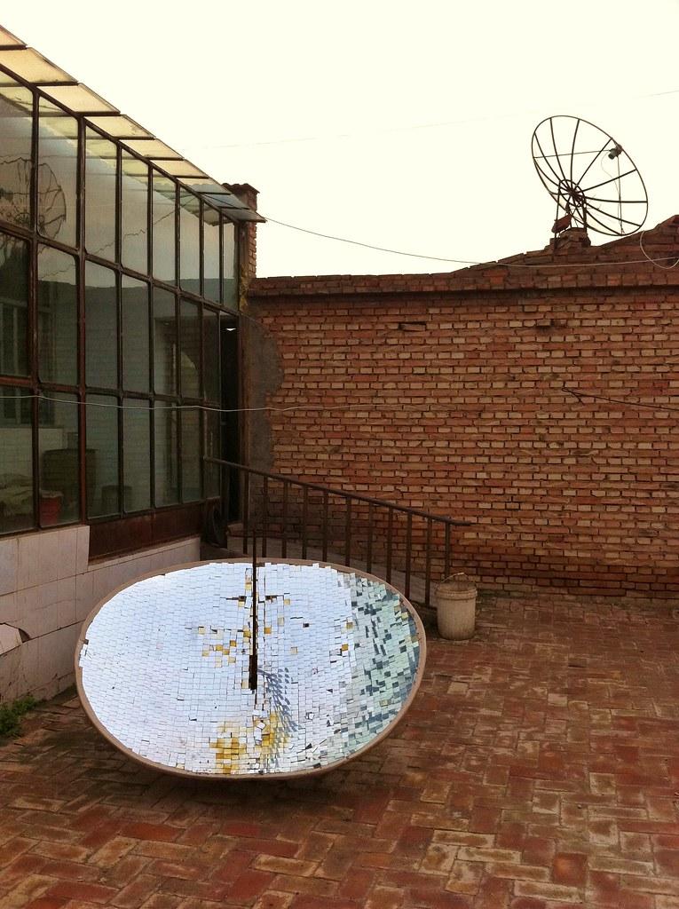 Parabolic solar water heater