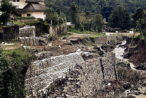 Villa Kota Gardenia in Ruins