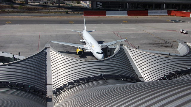 Madrid Airport Kee Walk Installation (Barajas)