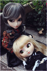 Vince and Rikku's birthday! (Au Aizawa) Tags: japanese outfit doll gun pullip gunner limitededition gyro steampunk innocentworld taeyang stica tiphona