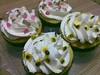Mousse de maracujá e Ganache (Cavatt) Tags: cupcakes minibolos