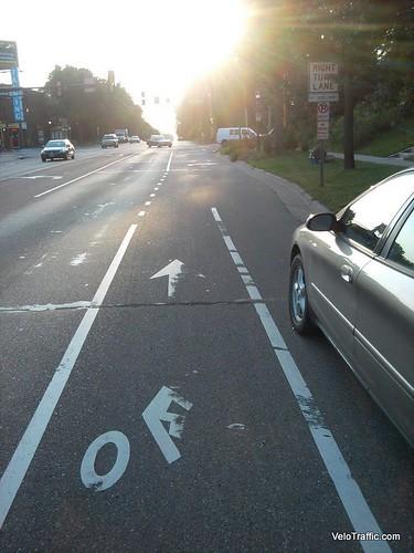 marshall-ave-bike-lane-ends by VeloTraffic, on Flickr