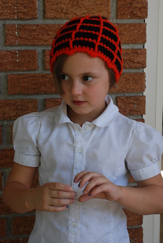halloween gift for kids: spiderweb beanie crochet pattern