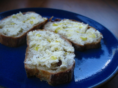 ricotta on bread