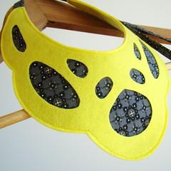 Mask - Necklace #6 (moldarina) Tags: necklace natural handmade unique colar woolfelt cottonfabric textilejewellery