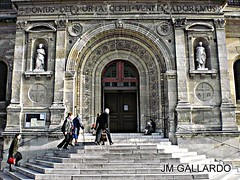 Paris - Misa tempranera (Polycarpio) Tags: poly gallardo polycarpio fotosdeparis jmgallardo fotosdefrancia juanmanuelgallardo polygallardo juanmgallardo