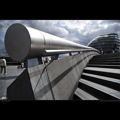 London in my eyes [36] - tube to City Hall (guido ranieri da re: work wins, always off) Tags: london nikon cityhall normanfoster londra indianajones d700 mygearandme nonsonoglianniamoresonoichilometri guidoranieridare londoninmyeyes 100shotsforlondon londraneimieiocchi 100scattiperlondra