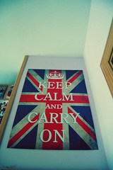 Keep Calm and Carry On[274/365] (Mirisweet) Tags: madrid london girl poster nikon chica room calm days londres keep 365 proyect dias carry proyecto on d40 365days 365dias miriamgm mirisweet