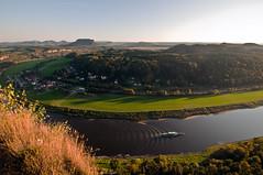 Basteiausblick (MD-Pic) Tags: boot sonnenuntergang natur sonne elbe bastei wellen lilienstein sächsischeschweiz elbsandsteingebirge