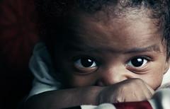 Glance! (HASAN_ADEL) Tags: lighting light boy portrait black eye colors beautiful look canon children cool pretty child little flash dramatic 85mm tiny saudi arabia 18 drama 85 glance tone 60 عين 56 adel 430 ksa hasan childern بن حسن جمال روعة نظرة الوان السعودية عادل العربية إضاءة عيون طفل صغير المملكة جميلة أطفال كوول 60d كانون بريء فلاش تون تفاؤل براءة أسمر اسمر عينين لمحة لطبف درامي hasanadel
