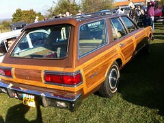 1979 Chrysler LeBaron Town & Country (Vagab') Tags: wagon break townandcountry medallion chrysler mopar 1979 dodgedart v8 318 stationwagon americancars towncountry lebaron dodgemagnum dodgecoronet retrotal chryslercorporation plymouthgranfury chryslerlebaron avenuebosquet cartercarburetor thermoquad plymouthcaravelle dodgediplomat chryslertownandcountry voituresamricaines v8318 taluyers voituresamericaines chryslermagnum chryslerdealer chryslermbody 1979car lebaronmedallion garagebosquet concessionnairechrysler bosquetgarage chryslerclassics moparmbody chryslermplatform voituresamricainesvoituresamericaines carterthermoquad 5meretrotal