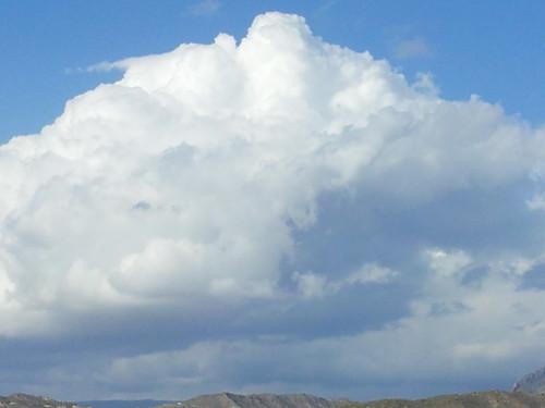 Nubes otoñales 22-10-2011 by Zahori.Salika