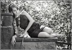 Armas de Mujer... (kanjungla) Tags: laura beauty forest modelo vila bosque belleza exteriores posado armasdemujer kajungla