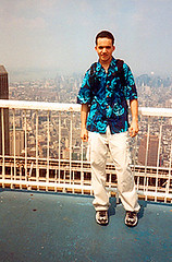 aNDy-Top_of_the_World-1999-06-07 3-AD (ADwOw) Tags: nyc newyorkcity roof summer sky usa newyork fence afternoon tour worldtradecenter sightseeing visiting lowermanhattan clearday canonelphaps 2wtc topoftheworldobservationdeck