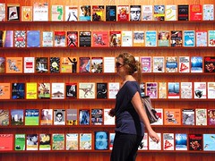 the librarian goes to lunch (Scorpocat) Tags: istanbul bookshop librairie buchhandlung kadky boekhandel kitabevi