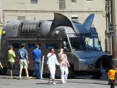 Maximus Minimus (DoctorFomite) Tags: seattle pork pigtruck maximusminimus