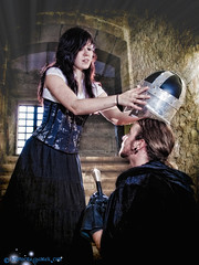 No te olvides el casco... (Isidr☼ Cea) Tags: medieval ares monasteriodesantacatalina zuiko1454 olympuse3 las13muertes isidrocea isidroceagmailcom