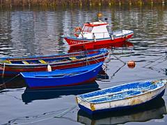 761_Puerto de Camarias (Ricard Gabarrs) Tags: sol mar agua barcos playa arena barcas sal rocas ricardgabarrus