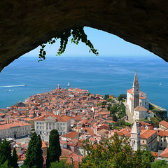 Welcome to Piran - the pearl of the Mediterranean (Bn) Tags: old sea streets heritage architecture square geotagged coast town topf50 mediterranean gulf cathedral pirates gothic charm historic slovenia era tribes venetian walls piran slovenija viewpoint picturesque topf100 narrow cultural adriatic alleys istria slovene pirano sloveni tartini istrian preroman 100faves histri 50faves giuseppi illyrian georgius obzidje gulfofpiran piransko geo:lon=13572254 geo:lat=45528116