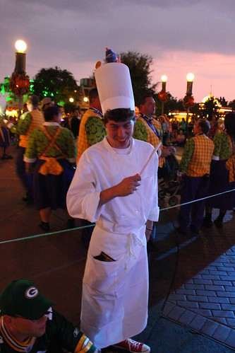 Linguini from Ratatouille costume (guest)
