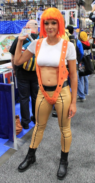 2011-Model ADRIANNE CURRY as the 5th Element at SDCC-02