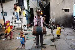 Sidis (Leonid Plotkin) Tags: music india black festival drum african afro traditional tribal celebration ritual drumming tradition tribe ethnic gujarat ahmedabad sidi urs aisa dhamal sidhi amdavad siddi damal afroindian dhammal dammal