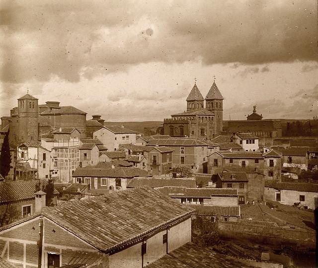 Vista del Arrabal y la Puerta de Bisagra en 1913. Fotografía de Luis Calandre Ibáñez