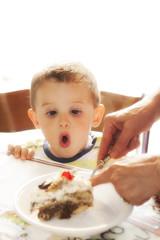 torta con bambino (SirPhoto) Tags: hk baby cake children kid luca nikon child surprise bimbo highkey torta occhioni sorpresa bambino goloso d700 sirbrun