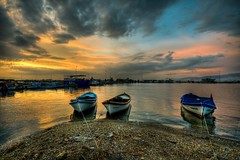 nciralt, Izmir (Nejdet Duzen) Tags: trip travel sunset sea cloud reflection turkey boat trkiye deniz sandal izmir bulut gnbatm yansma turkei seyahat inciralt saariysqualitypictures bestcapturesaoi mygearandme