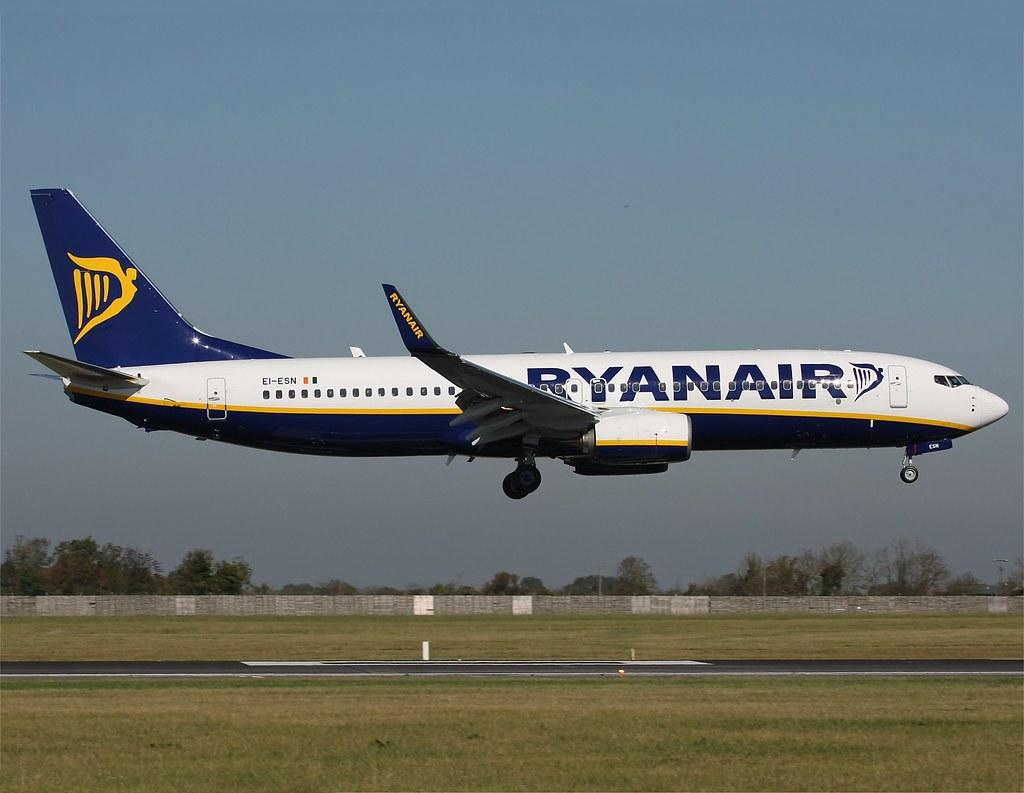 Ryanair      Boeing 737        EI-ESN